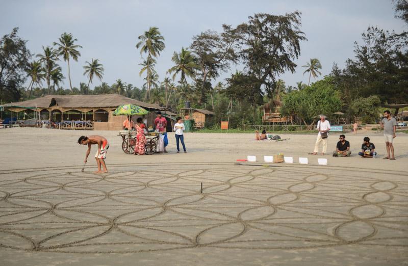 Mandala, Drum Circle, Arambol Beach, Goa, Strände, Norden, Strand, Nordgoa, Reisen in Indien, travel in India, Südasien, Bilder, Fotos, Reiseberichte, www.wo-der-pfeffer-waechst.de