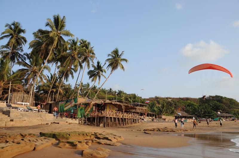 Anjuna Beach, Goa, Strand, Strände, Palmen, Indien, India, Reiseberichte, Südasien, Bilder, Fotos, www.wo-der-pfeffer-waechst.de