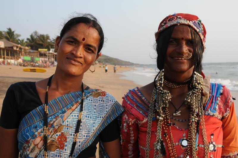Anjuna Beach, Goa, Strandverkäuferinnen, Strand, Strände, Indien, India, Reiseberichte, Südasien, Bilder, Fotos, www.wo-der-pfeffer-waechst.de