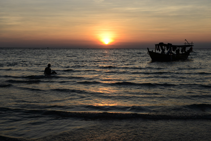 Bootstour, Boat Trip, Koh Rong Beach Guide, Kambodscha, Bai Cheap Bay, Strand, die schönsten Strände, Sonnenuntergang, sunset, Cambodia, Südostasien, Bilder, Fotos, Reiseberichte, www.wo-der-pfeffer-waechst.de