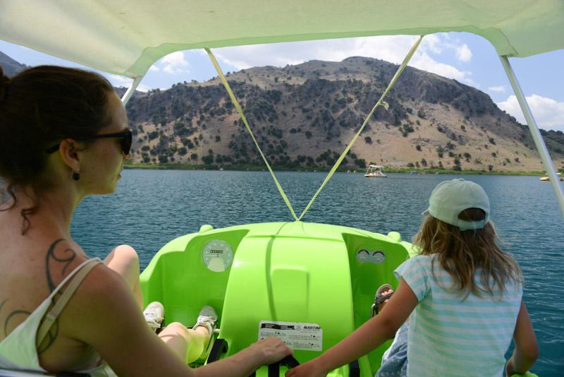 Tretbootfahren auf dem Kournas-See, Kreta, Reisebericht, Griechenland, Urlaub, Reisen mit Kindern, Bilder, Fotos, Südeuropa, www.wo-der-pfeffer-waechst.de