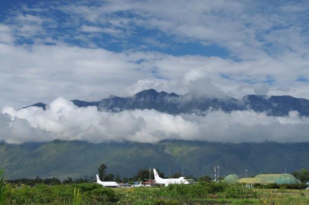 Indonesien, West-Papua, Wamena Airport, Flughafen, Reiseberichte, Baliem-Tal, valley, www.wo-der-pfeffer-waechst.de