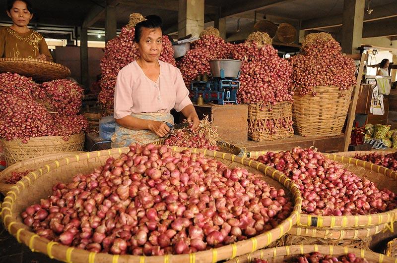 Yogyakarta, Java, Pasar Beringharjo, Markt, market, Zwiebeln, Indonesien, Reiseberichte, Foto: Heiko Meyer, www.wo-der-pfeffer-waechst.de
