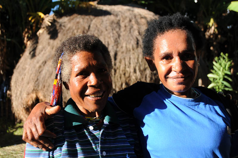 Indonesien, West-Papua, Baliem-Tal, valley, Wamena, Dani, tribe, Stammesdorf, Dorffest, Ostern, Frauen, Feiertag, Freude, Reisebericht, www.wo-der-pfeffer-waechst.de