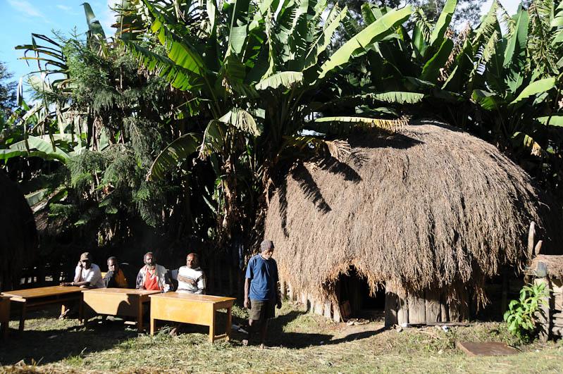 Indonesien, West-Papua, Baliem-Tal, valley, Wamena, Dani, tribe, Stammesdorf, Dorffest, Ostern, Stammeshütte, Reisebericht, www.wo-der-pfeffer-waechst.de