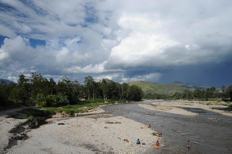 Wamena, Umgebung, Fluss, West-Papua, Baliem-Tal, valley, Indonesien, Reisebericht, www.wo-der-pfeffer-waechst.de