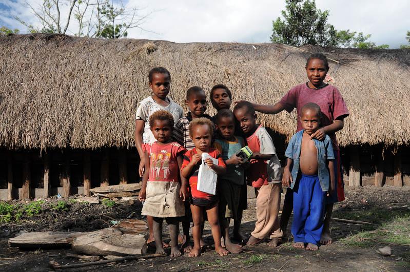 Wamena, West-Papua, Baliem-Tal, valley, Indonesien, Dani, tribe, Stammesdorf, Kinder, Reisebericht, www.wo-der-pfeffer-waechst.de