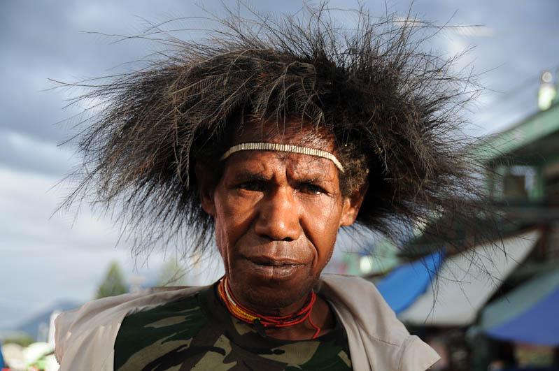 Indonesien, West-Papua, Baliem-Tal, valley, Wamena, Ureinwohner, Kopfschmuck, Reisebericht, www.wo-der-pfeffer-waechst.de