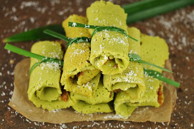 Indonesien, Dadar Gulung, Rezept, Pfannkuchen, Palmzucker, Kokosraspeln, www.wo-der-pfeffer-waechst.de