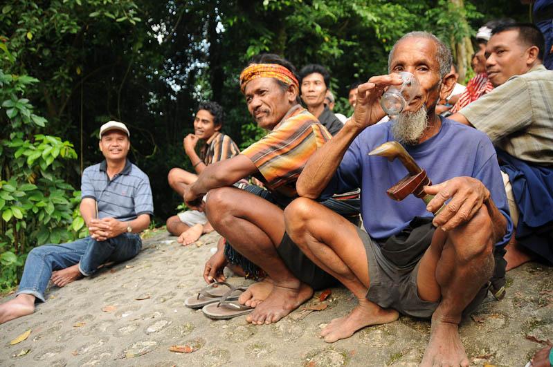 Penaraci, Alkohol, Sumba, Insel, Indonesien, Beerdigung, Reisebericht, www.wo-der-pfeffer-waechst.de