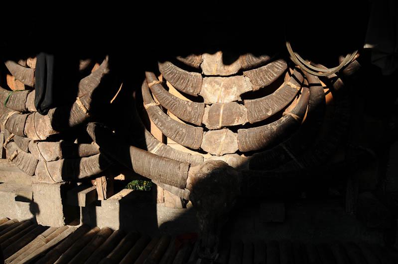 Sumba, Insel, Indonesien, traditionelle Dörfer, Häuser, Büffelhörner, Schädel, Marapu, Religion, Reisebericht, www.wo-der-pfeffer-waechst.de