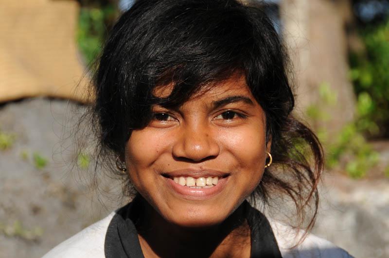Sumba, Insel, Indonesien, traditionelle Dörfer, Dorf, traditional, village, Frau, Marapu, Religion, Reisebericht, www.wo-der-pfeffer-waechst.de