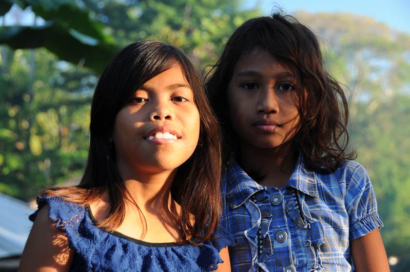 Sumba, Insel, Indonesien, Waikabubak, Mädchen, Reisebericht, www.wo-der-pfeffer-waechst.de