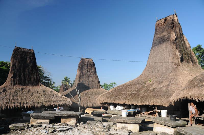Sumba, Insel, Indonesien, traditionelle Dörfer, Häuser, Marapu, religion, Reisebericht, www.wo-der-pfeffer-waechst.de