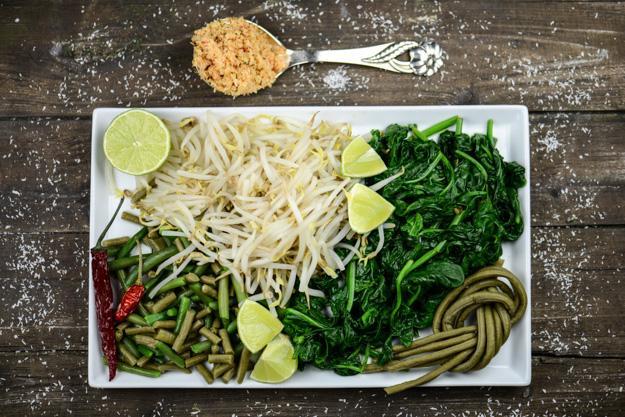 Urap-Urap, Indonesien, indonesische, vegetarischer, vegane, Rezepte, warmer Gemüsesalat mit Kokossambal, Zutaten, www.wo-der-pfeffer-waechst.de