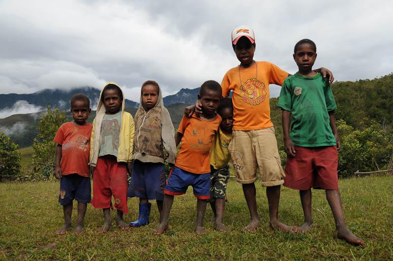 Indonesien, West-Papua, Wamena, Baliem-Tal, valley, Trekking, Dorfjugend, www.wo-der-pfeffer-waechst.de