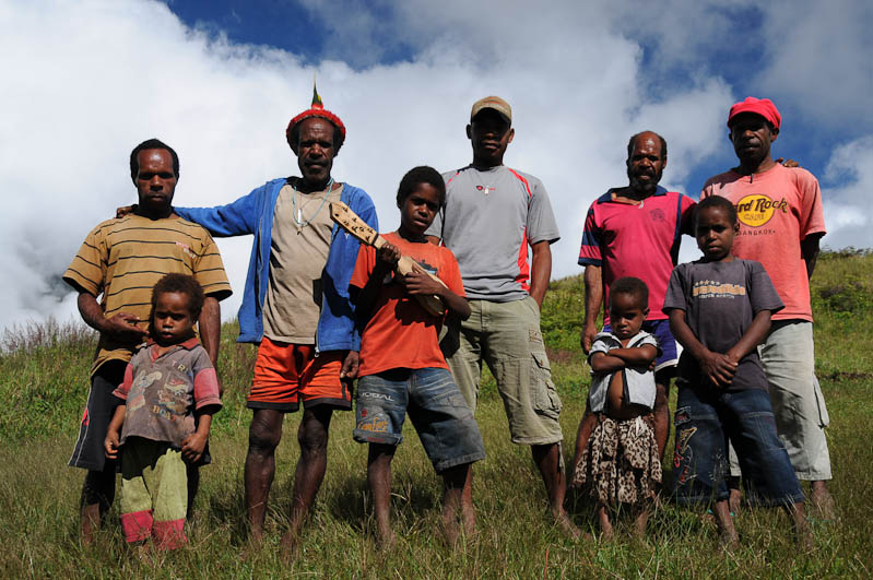Indonesien, West-Papua, Wamena, Baliem-Tal, valley, Trekking, Stammesdorf, Gruppenfoto, www.wo-der-pfeffer-waechst.de
