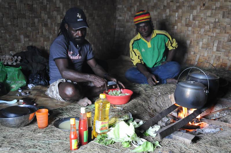 Indonesien, West-Papua, Wamena, Baliem-Tal, valley, Trekking, Tour, Guide, Kochen, vegetarisch, www.wo-der-pfeffer-waechst.de