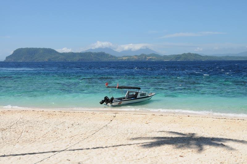 Beach, Strand, Murex Bangka Dive Resort, Pulau Bangka, Island, Insel, Nord-Sulawesi, Indonesien, Indonesia, Reiseberichte, Foto: Heiko Meyer, www.wo-der-pfeffer-waechst.de