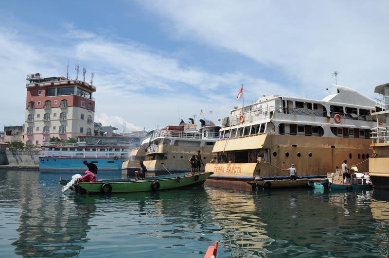 Manado, Hafen, Nord-Sulawesi, Insel, Indonesien, Indonesia, Reiseberichte, Foto: Heiko Meyer, www.wo-der-pfeffer-waechst.de