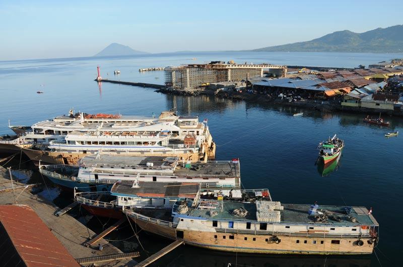 Manado, Hafen, Port, Island, Insel, Nord-Sulawesi, Indonesien, Indonesia, Reiseberichte, Foto: Heiko Meyer, www.wo-der-pfeffer-waechst.de