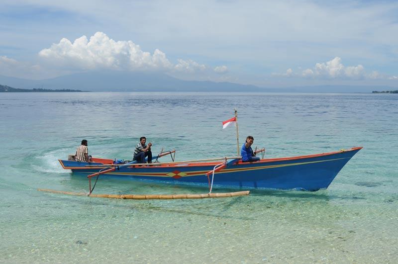 Pulau Siladen, Island, Insel, Auslegerboot, Nord-Sulawesi, Indonesien, Indonesia, Reiseberichte, Foto: Heiko Meyer, www.wo-der-pfeffer-waechst.de