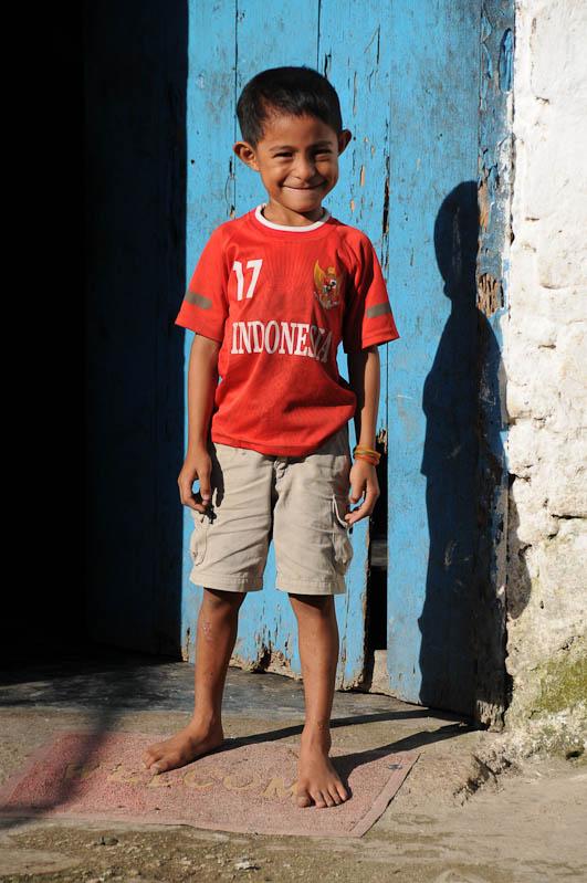 Indonesien, Sumba, Indonesia, Insel, Waikabubak, Junge, Reisebericht, www.wo-der-pfeffer-waechst.de