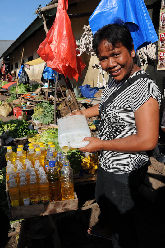 Indonesien, Sumba, Insel, Waikabubak, Marktfrau, Reisebericht, www.wo-der-pfeffer-waechst.de