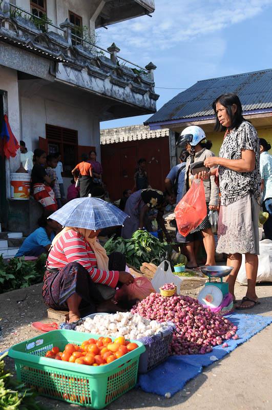 Indonesien, Sumba, Insel, Waikabubak, Marktszene, Reisebericht, www.wo-der-pfeffer-waechst.de
