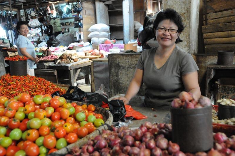 Tomohon, Markt, Frau, Minahasa-Hochland, Nord-Sulawesi, Insel, Indonesien, Indonesia, Reiseberichte, Foto: Heiko Meyer, www.wo-der-pfeffer-waechst.de