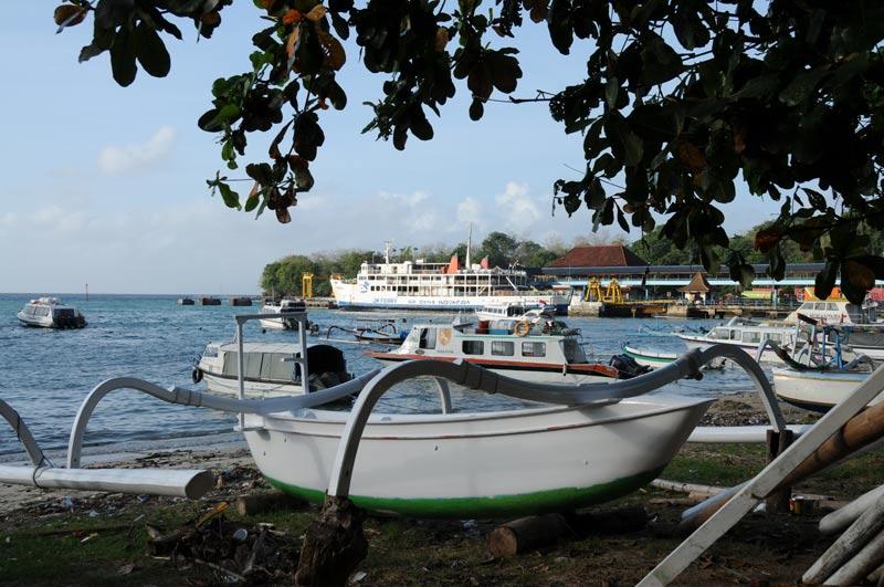 Indonesien, Indonesia, Insel, Lombok, Bali, Padang Bai, Hafen, Fähre, Reiseberichte, Foto: Heiko Meyer, www.wo-der-pfeffer-waechst.de