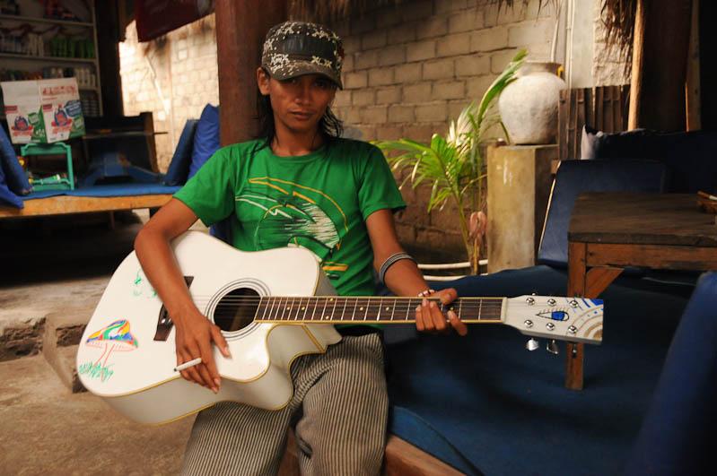 Gili Trawangan, Gili-Inseln, Gilis, Gitarre, Lombok, Indonesien, Indonesia, Reiseberichte, www.wo-der-pfeffer-waechst.de