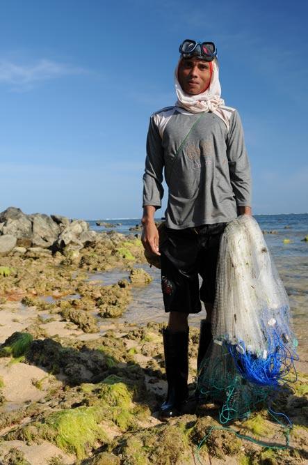Indonesien, Indonesia, Insel, Lombok, Kuta, Strände, Fischer, Netz, Reiseberichte, Foto: Heiko Meyer, www.wo-der-pfeffer-waechst.de