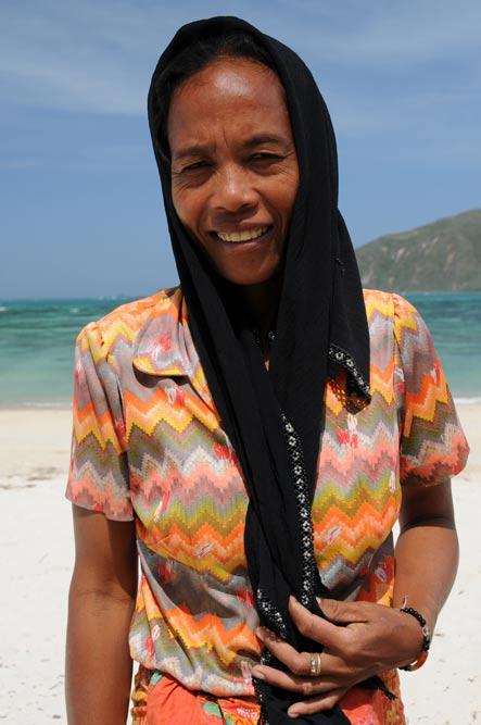 Indonesien, Indonesia, Insel, Lombok, Kuta, Strände, Beach, Frau, Reiseberichte, Foto: Heiko Meyer, www.wo-der-pfeffer-waechst.de