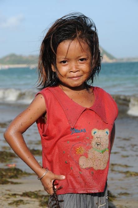 Indonesien, Indonesia, Insel, Lombok, Kuta, Strände, Beach, Kind, Mädchen, Reiseberichte, Foto: Heiko Meyer, www.wo-der-pfeffer-waechst.de