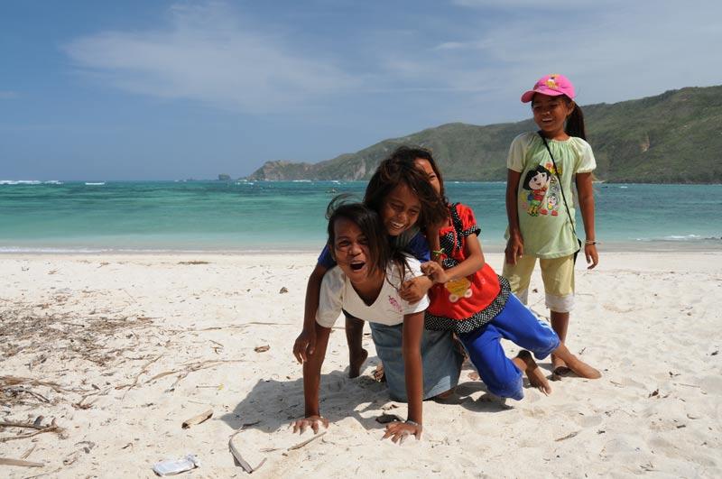 Indonesien, Indonesia, Insel, Lombok, Kuta, Strände, Beach, Kinder, Reiseberichte, Foto: Heiko Meyer, www.wo-der-pfeffer-waechst.de