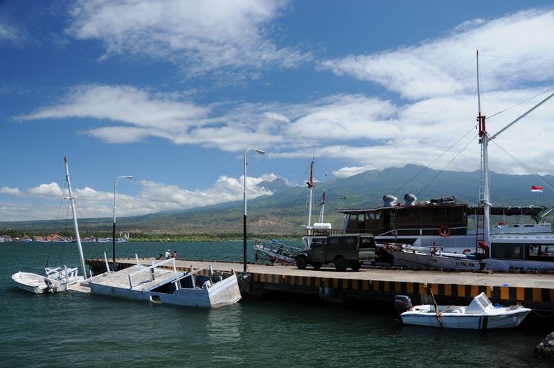 Labuhan Lombok, Hafen, Schiffe, Boote, Fähren, Sumbawa, Indonesien, Indonesia, Insel, Reiseberichte, www.wo-der-pfeffer-waechst.de