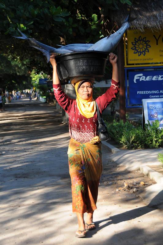 Lombok, Gili Trawangan, Muslima, Frau, Indonesien, Indonesia, Insel, Reiseberichte, www.wo-der-pfeffer-waechst.de