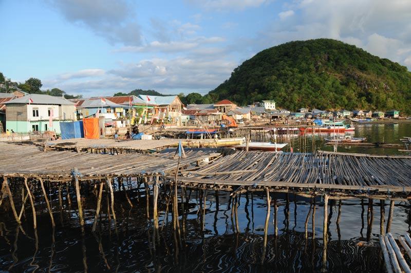 Indonesien, Indonesia, Labuan Bajo, kleine Sunda, vorgelagerte Inseln, Pulau, West-Flores, Hafen, jetty, Reiseberichte, Foto: Heiko Meyer, www.wo-der-pfeffer-waechst.de