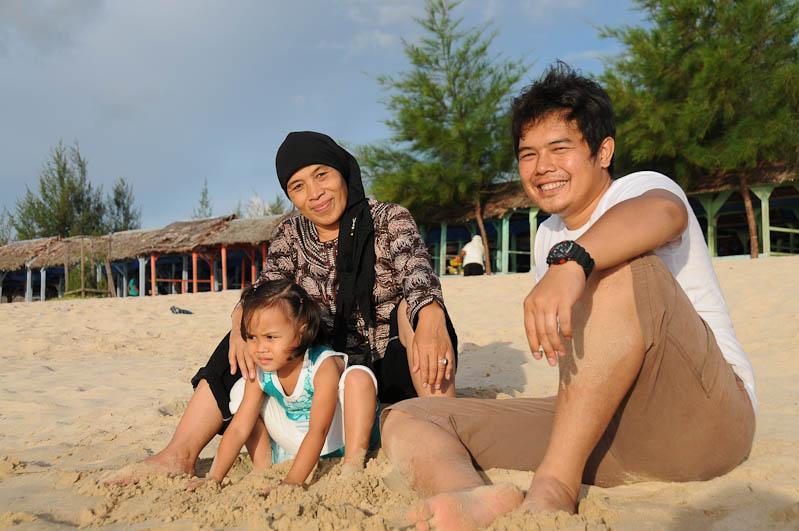 Indonesien, Indonesia, Sumatra, Lampuuk Beach, Familienausflug, Banda Aceh, Strand, Strände, pantai, Reiseberichte, www.wo-der-pfeffer-waechst.de