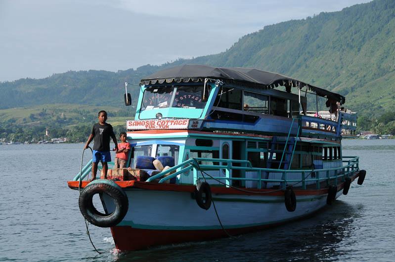 Fähre, ferry, Parapat, Lake, Toba-See, Danau, Batak, Pulau, Samosir, Tuk Tuk, Nord-, Sumatra, Indonesien, Indonesia, Reisebericht, www.wo-der-pfeffer-waechst.de