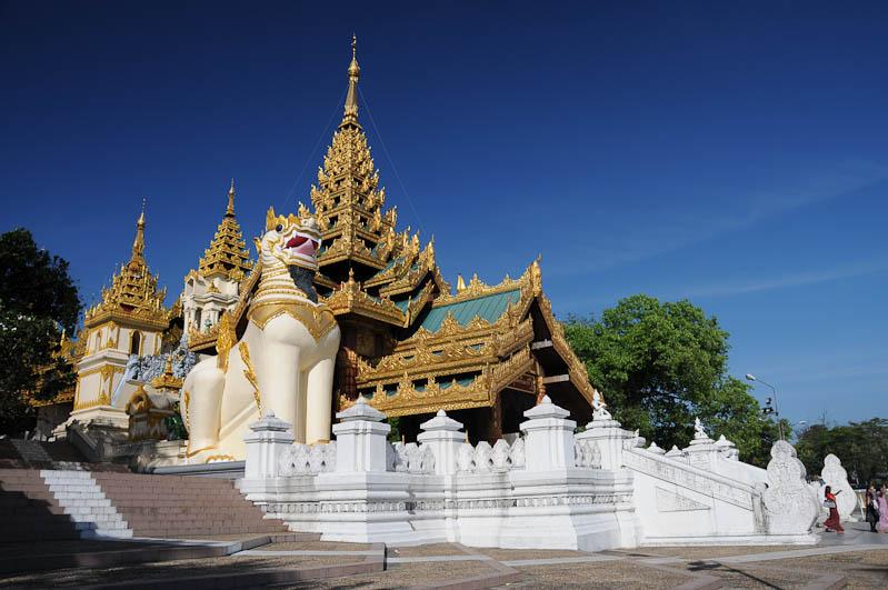 Yangon, Rangoon, Rangun, Shwedagon-Pagode, Pagoda, buddhistischer Tempel, Aufgänge, Myanmar, Burma, Birma, Reisebericht, www.wo-der-pfeffer-waechst.de