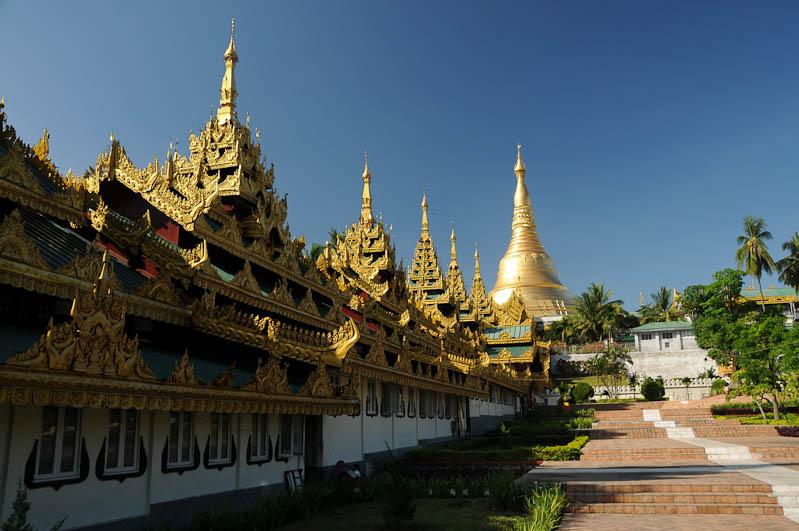 Yangon, Rangoon, Rangun, Shwedagon-Pagode, Pagoda, buddhistischer Tempel, Südaufgang, Myanmar, Burma, Birma, Reisebericht, www.wo-der-pfeffer-waechst.de