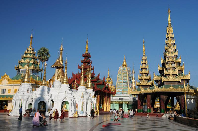 Yangon, Rangoon, Rangun, Shwedagon-Pagode, Pagoda, buddhistischer Tempel, Schreine, Myanmar, Burma, Birma, Reisebericht, www.wo-der-pfeffer-waechst.de