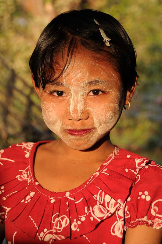 Mrauk U, Tempel, Paya, Pagoden, Rakhine-Staat, State, Division, Mädchen, Tanaka, Myanmar, Burma, Birma, Reisebericht, www.wo-der-pfeffer-waechst.de