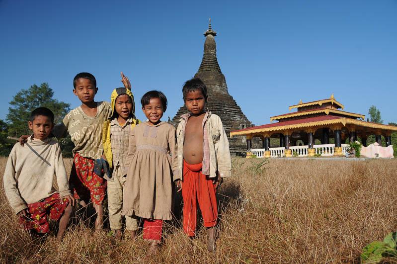 Mrauk U, Tempel, Paya, Pagoden, Rakhine-Staat, State, Division, Ruine, Kinder, Myanmar, Burma, Birma, Reisebericht, www.wo-der-pfeffer-waechst.de