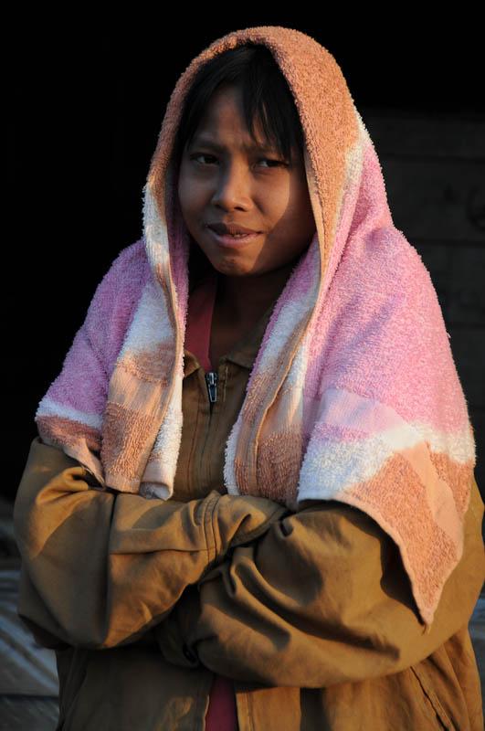 Sittwe, Fischmarkt, Fischer, Frau, fish market, Akyab, Rakhine-Staat, State, Division, Myanmar, Burma, Birma, Reisebericht, www.wo-der-pfeffer-waechst.de