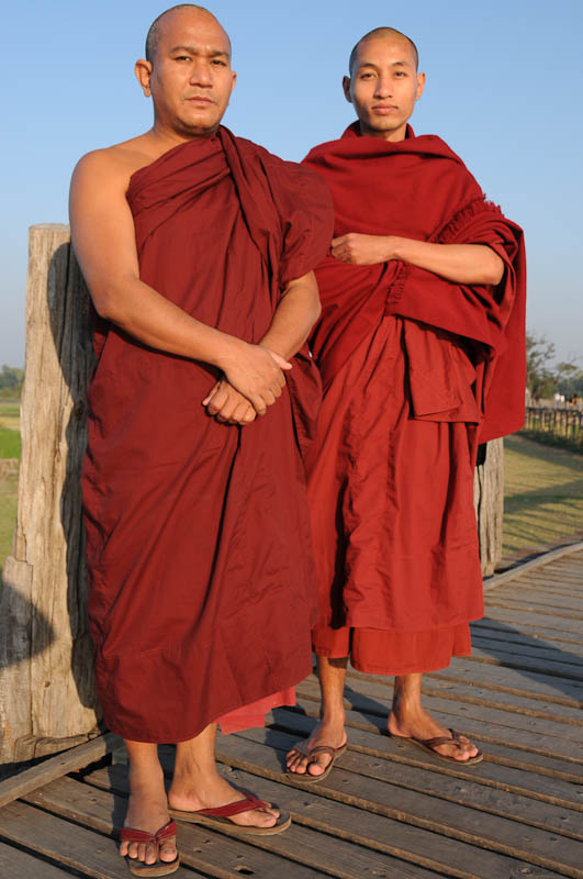Amarapura, U Bein-Teakholzbrücke, bridge, buddhistische Mönche, Mandalay, Myanmar, Burma, Birma, Reisebericht, www.wo-der-pfeffer-waechst.de