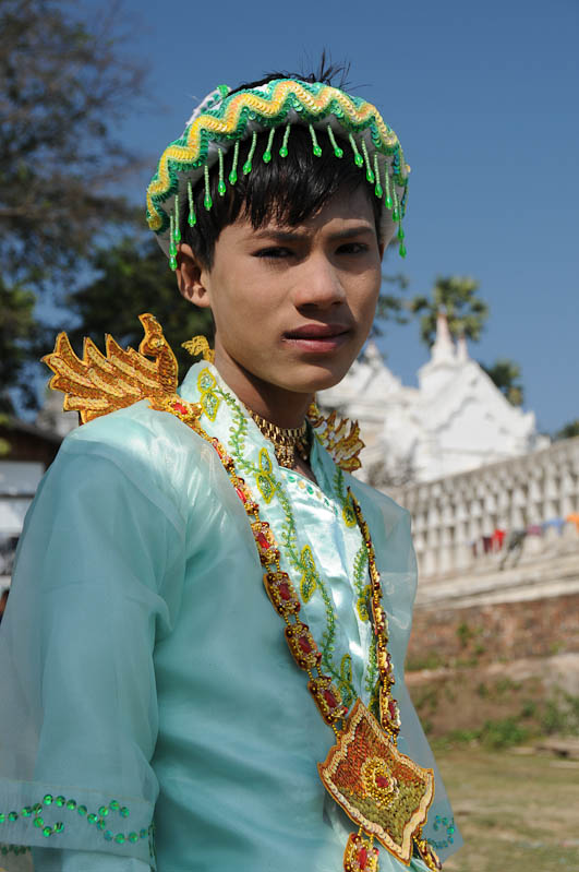 Mingun, Jugendlicher, Fest, Myanmar, Burma, Birma, Reisebericht, www.wo-der-pfeffer-waechst.de