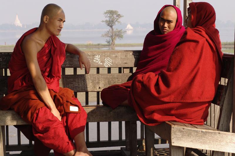 Myanmar, Burma, Birma, Mandalay, Amarapura, U Bein-Teakholzbrücke, bridge, buddhistische Mönche, monks, Reiseberichte, Foto: Heiko Meyer, www.wo-der-pfeffer-waechst.de